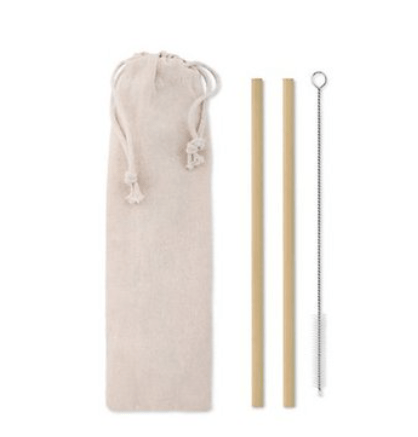 2 bamboo straws + pipe cleaner in cotton bag